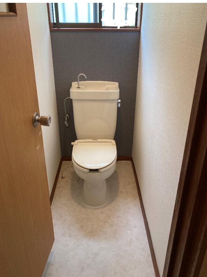 1f-toilet200505-9