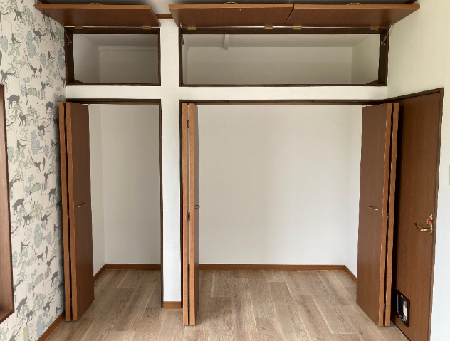 2flwa-closet210412-45