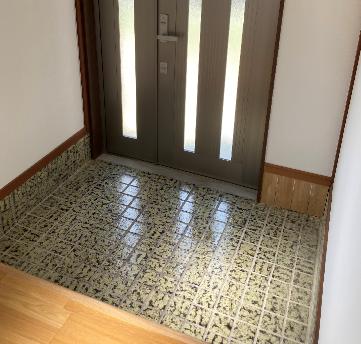 entrance-tile200916-0