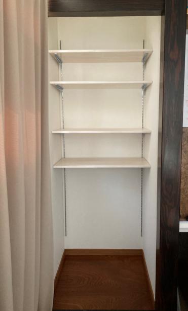 shelf210505-23